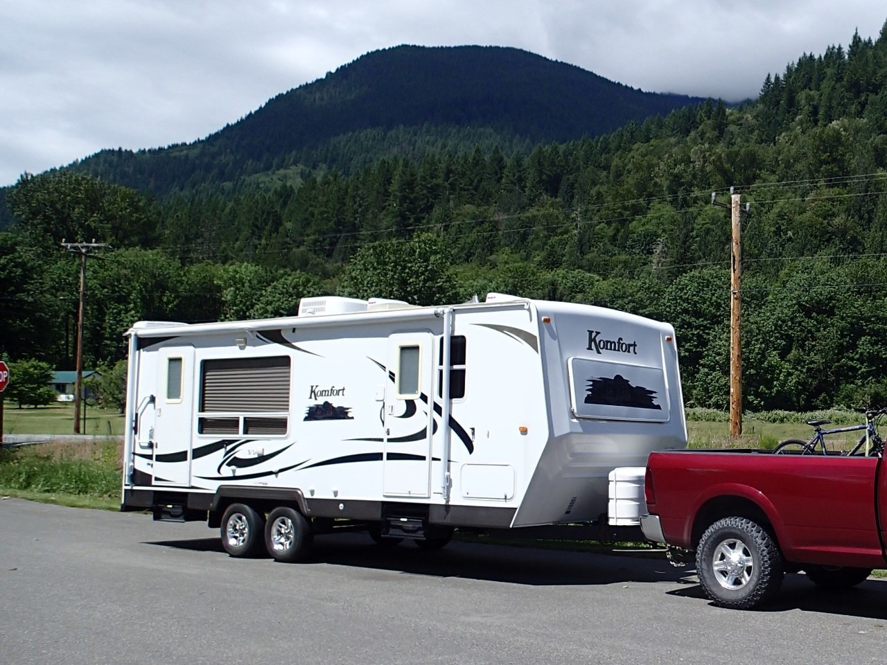 What do reviews say about Komfort Travel Trailer RVs?
