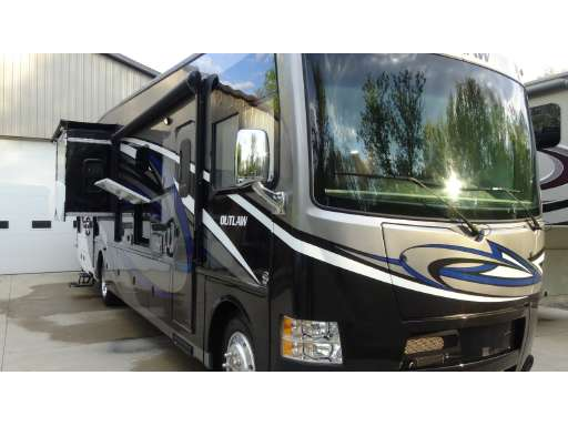 2016 Thor Motor Coach Outlaw 37rb In Howell Mi
