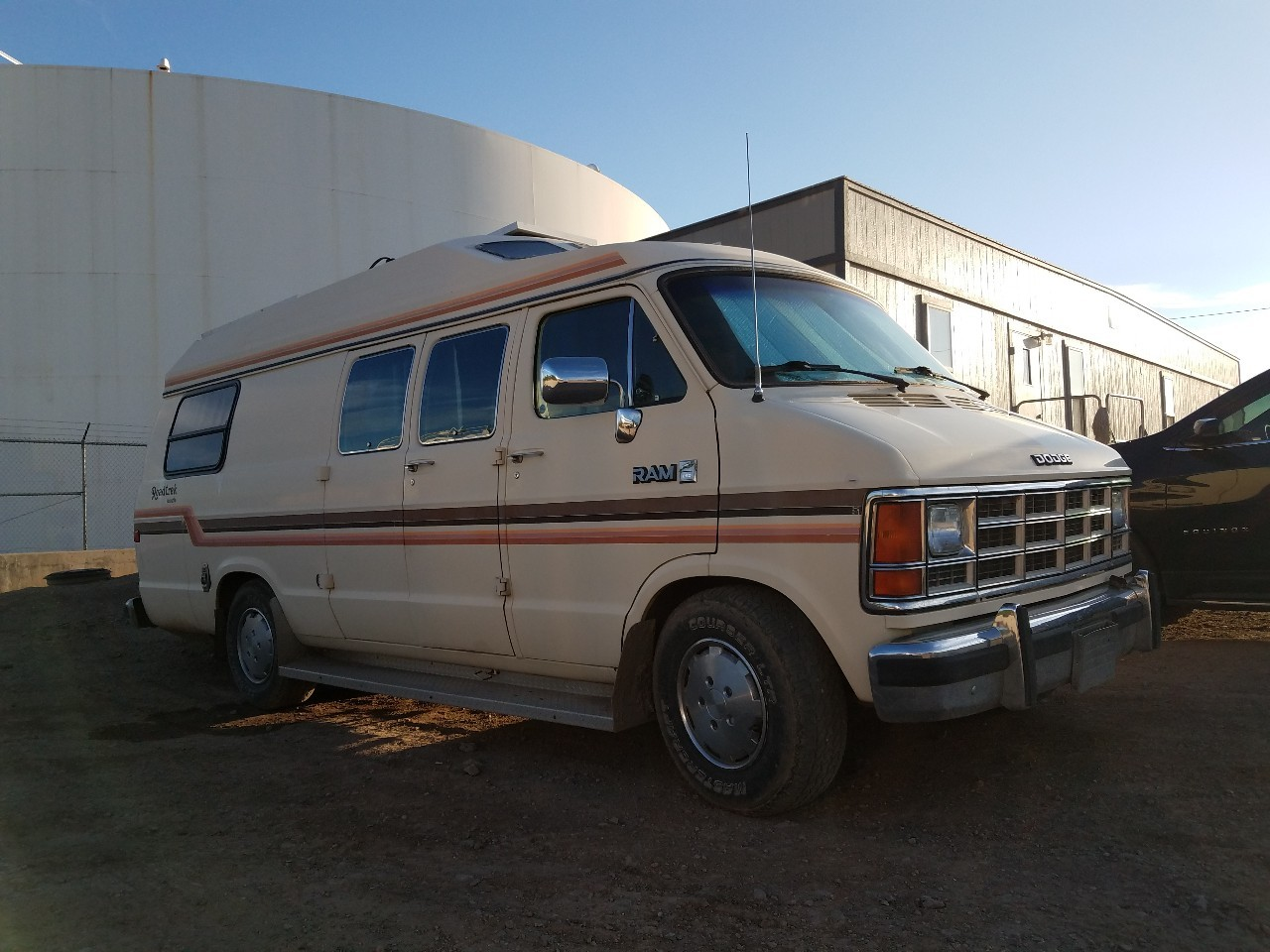1987 Dodge ROADTREK VERSATILE 19' HOME AND PARK