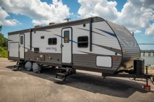 RV28 2019 Aspen Trail LE-0