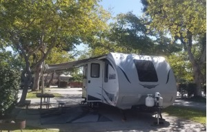 LANCE • BEAUTIFUL HIGH END TRAILER WITH BUNKS FOR KIDS • DELIVERY AND PICK UP AVAILABLE-0