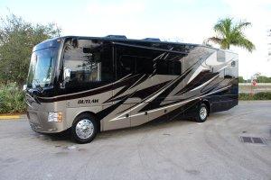 Thor Motor Coach Outlaw 37MD (Traveler)-0