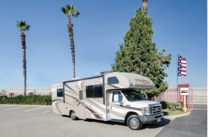 Large Mighty Class C Motorhome For Your Next Trip! McKinney-0